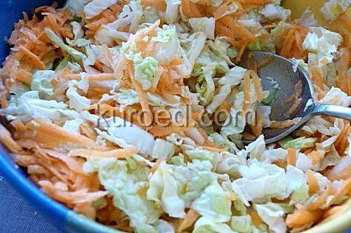салат из свежей капусты и моркови, без уксуса