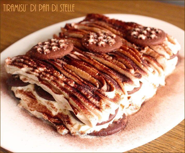 Tiramisu di pan di stelle: una versione più compatta, velocissima, ma non meno golosa. Farcito con crema al mascarpone senza uova.