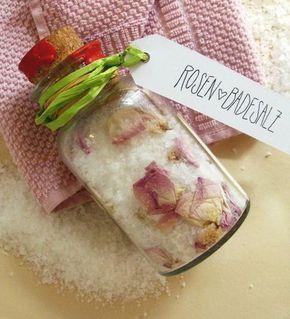Duftendes Rosen-Badesalz zum Selbermachen