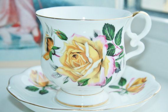 Royal Ascot, elegant teacup and saucer with elegant English ocher yellow roses, Yellow Rose