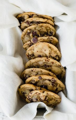 The BEST Chocolate Chip Cookies!!! #chocolatechip #chocolate #cookies #recipes