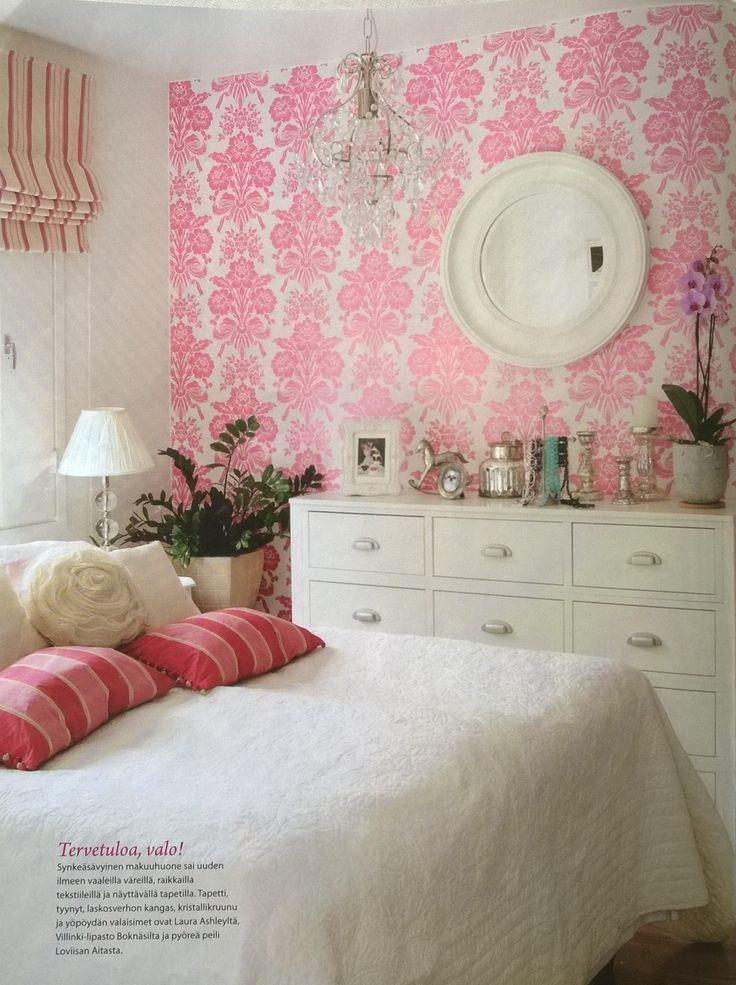Adorable pink and white bedroom via Talo & Koti magazine 2/2011   Laura Ashley, Boknäs, Loviisan Aitta