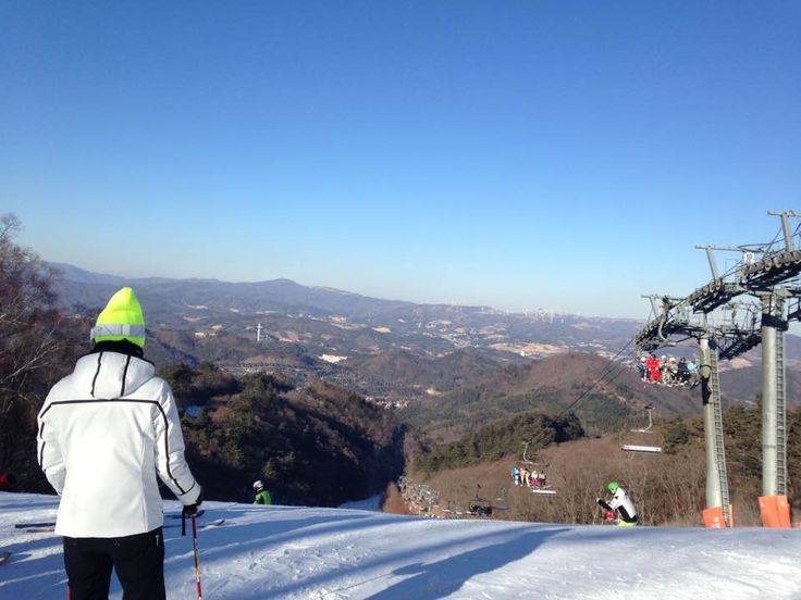 In Pyeongchang County, S. Korea, future host of the 2018 Winter Olympics, you will find the 28 slopes and 15 lifts of Yongpyong built into the Taebaek Mountains. Yongpyong is the biggest ski and sn…