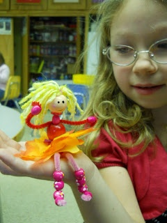 *Fun Art 4 Kids: doll made from pipe cleaners, wooden beads and yarn