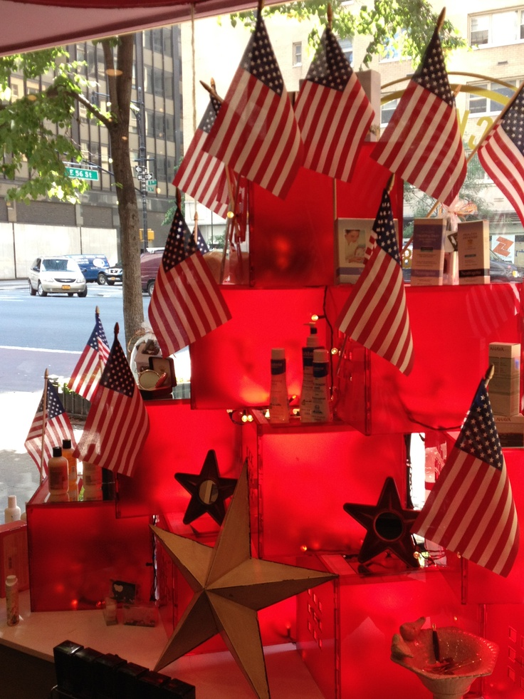 17 best images about window decorating ideas on pinterest for Retail christmas decorations ideas