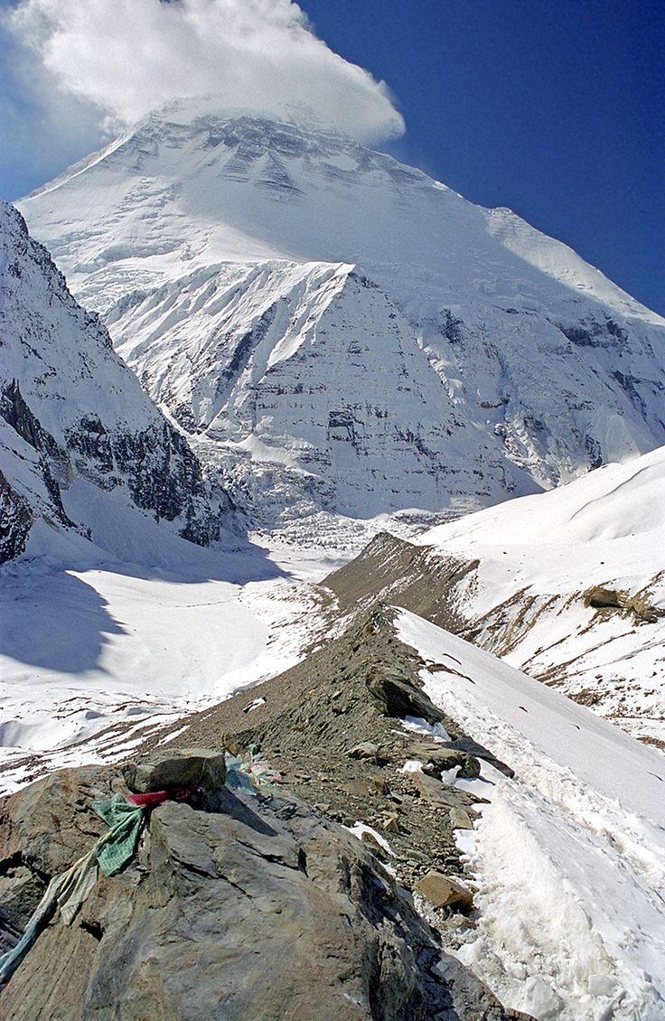 best ideas about himalaya tibet trekking and le dhaulagiri est le septiatildeumlme plus haut sommet du monde dans la chaatilderegne de l iconic mountains asiamountains beyond