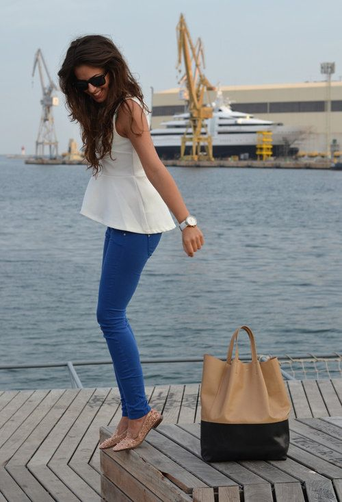 peplum blouse & colored pantsColors Pants, Fashion, Skinny Jeans, Summer Looks, Peplum Tops, Style, Colors Jeans, Blue Jeans, Colors Denim