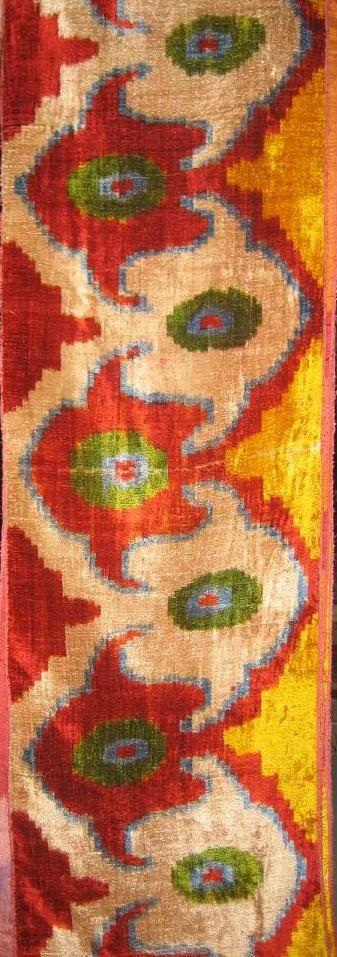uzbek ikat fabric, silk velvet,bahlmal - não sou muito fã de ikat, mas esse tá bonito.