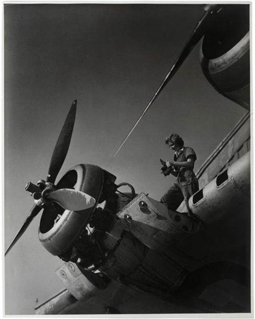 1944, repairing the Qantas Empire Airways flying boat Coriolanus in Sydney. - The Girls In AeroSpace: Vintage Photos of Rockin' Women Working On Planes