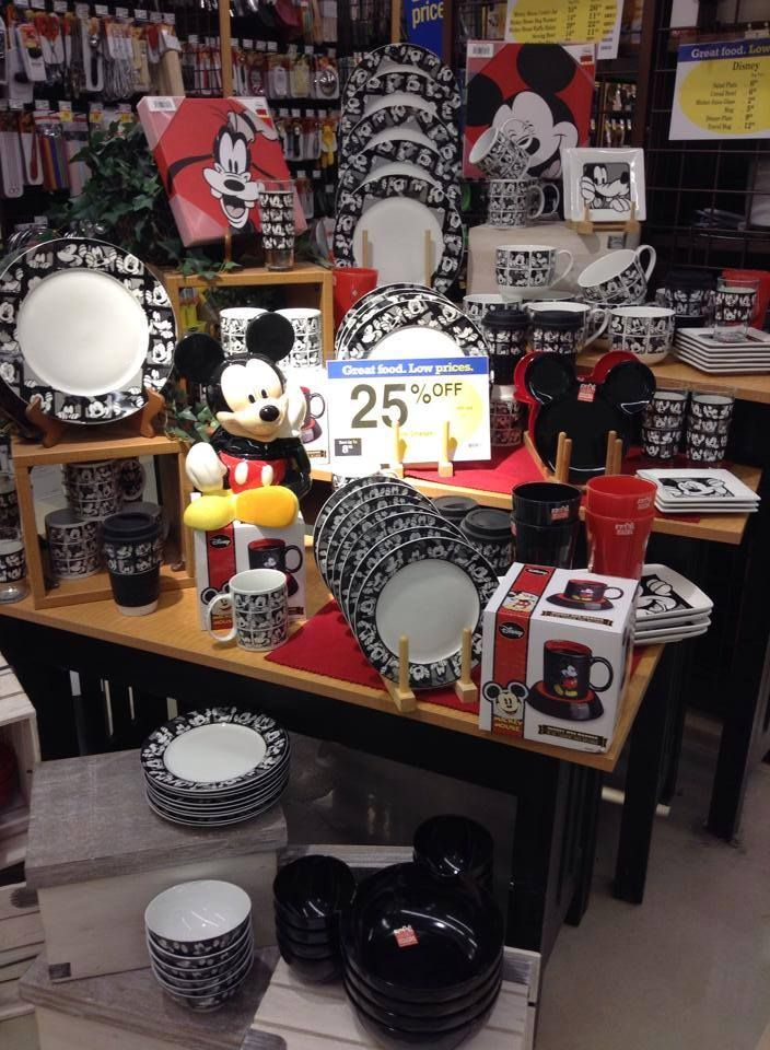 131 best images about mickey mouse on pinterest disney for Mickey mouse kitchen accessories