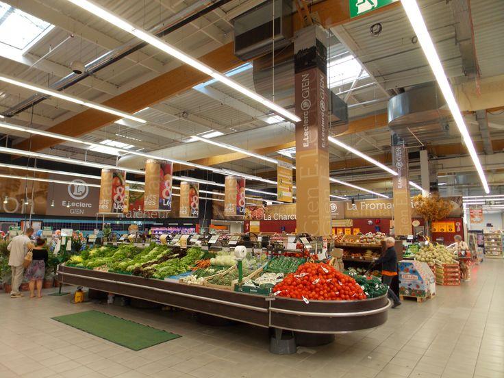 Habillage de la zone fruits et légumes © Pub Colaut