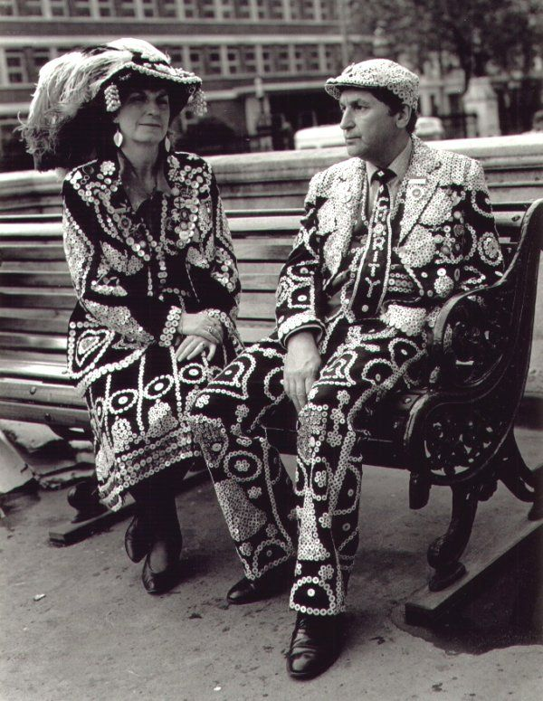 Pearly Kings and Queens of London - great pic ! #London #Pearly #Kings #Queens