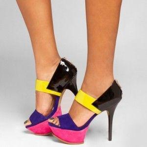 Bir yapbozu anımsatan pembe-siyah-mavi-sarı renklerine sahip bayan platform ayakkabı | 2015 Bayan Modası