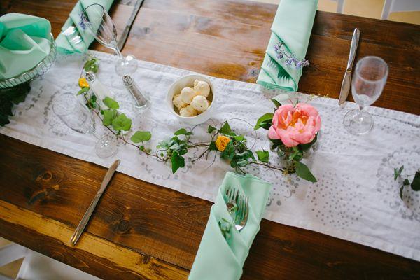 素朴な結婚式のインスピレーション - エミリーデラメターhttp://ruffledblog.com/marianmade農場結婚式の写真