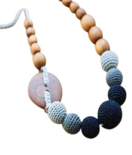 You know when you use a baby product every single day, you are on to a winner! I feel like the beautiful Munch natural wooden baby teething necklace was made just for a baby like ours in mind.