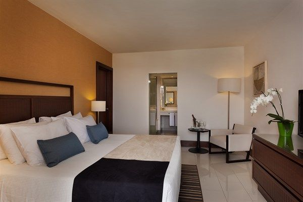 Guest Room At 5 Star Hotel Isrotel King Solomon This S Address Is North Beach Lagoon Marina Eilat 88000 And Have 0 Rooms
