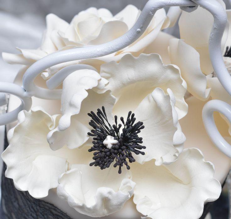 79 best Gum paste flowers images on Pinterest | Sugar paste flowers ...