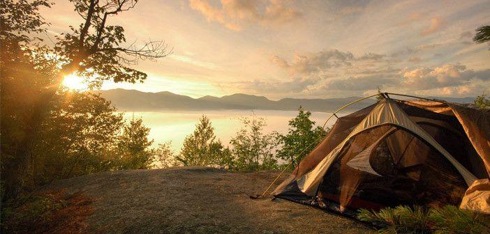 Keyifli ve güvenli bir kamp için en büyük önceliğimiz doğru malzemeleri yanımıza almak olacaktır. Gidilecek yer, mevsim, süre göz önüne alınarak yapılacak olan doğru malzeme listesi sizi pek çok dertten kurtarır.