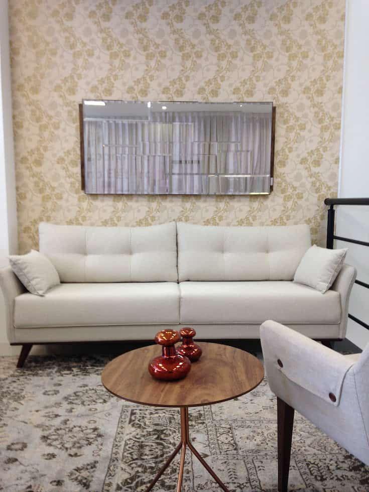 O sofá perfeito para quartos pequenos   – Pequena