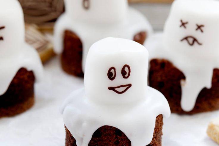 Kijk wat een lekker recept ik heb gevonden op Allerhande! Chocospookjes met marshmallows