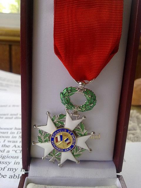 Légion d'honneur : toute la chaîne du livre récompensée