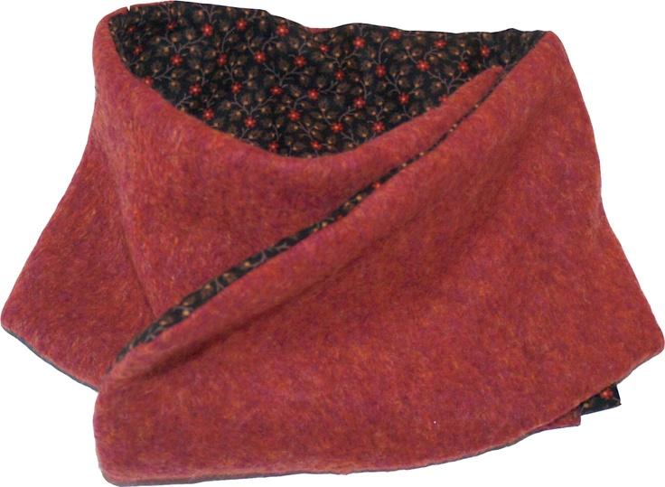 Bufanda - cuello en paño y tela  con broche de presión.  Color fresa