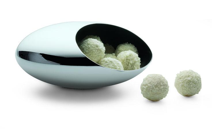 Designová mísa na Cukrovinky. Navrhl Eakkapob v Německu pro značku Philippi. Mísa Cocoon získala ocenění za design Form 2005.