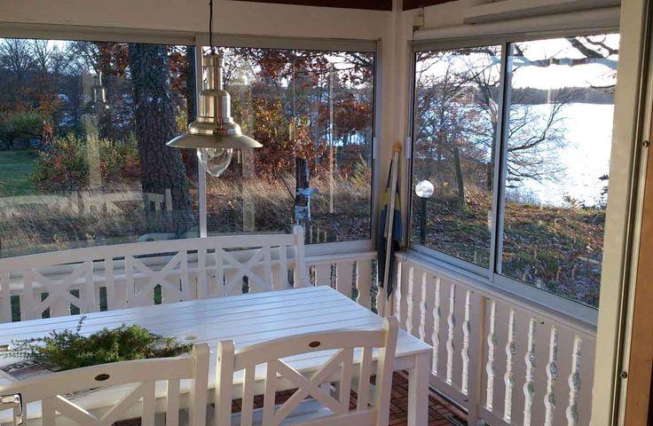 Ulfs Backe. Eine gut isolierte Hütte mit 2 Zimmer und 4 Betten, ca. 100m vom See Åsnen, Småland, Schweden