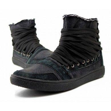 En http://www.spektrodesign.com/zapatillas-negras-ca-a-alta-cordones.html