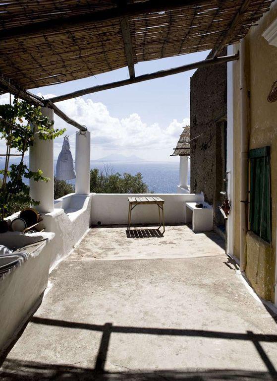 House of Poets, Bed & Breakfast Maresole,    Ginostra, Stromboli (Aeolian Islands)