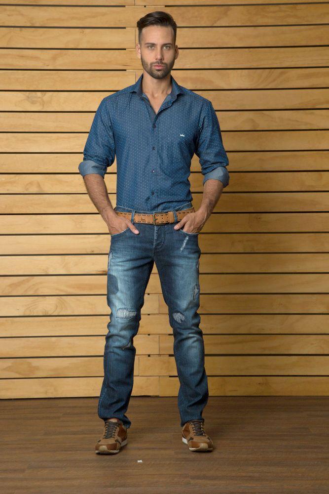 El azul es el gran protagonista de esta temporada. SAK llega lleno de detalles y exclusividad, una muy buena opcion para regalarle papá #regalasak #sakmen #sakdenim #newcollection #modamasculina #nuevacoleccion #newarrivals #shirts #fashion #menswear #camisas #tiendaderopa #ilovesak #dailyfashion #casuallook #jeans #jeanswear #denimfordays #guys #clothingstore #clothingbrand #moda #rebajas