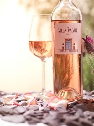 How about a nice fresh rose wine to celebrate the week end?