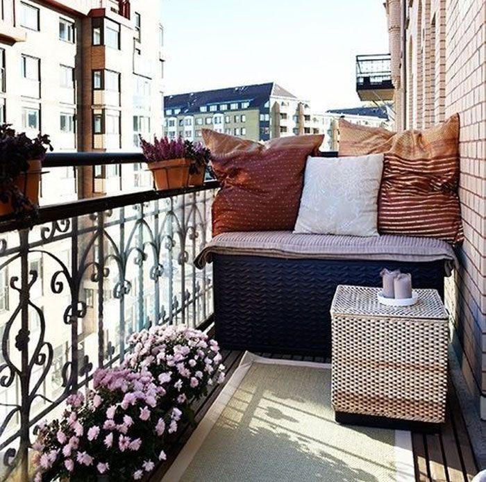 Το μπαλκόνι του σπιτιού σας είναι μικρό; Κανένα πρόβλημα! Ιδέες γεμάτες έμπνευση θα σας το διακοσμήσουν μοναδικά!