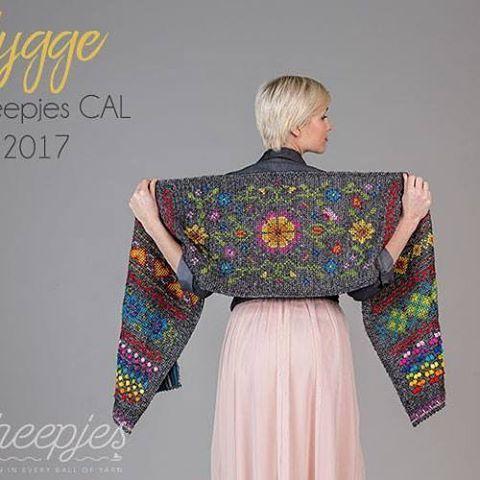 I am making the Rainbow version of the new @scheepjes CAL Hygge designed by @haakmaarraak. Read all about it on the blog. Link in bio. . . #crochet #haken #scheepjes #CAL #crochetalong #crochetofinstagram #lovecrochet #videotutorial #wrap #scheepjeshyggecal #scheepjeshyggecal2017 #hygge #crochetaddict #hakeniship #hakenisleuk