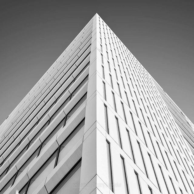Warszawa  #warsaw #warszawa #architecture #leadinglines #lookingup_architecture #nikon #creative #lookingup #instawarsaw #instawarszawa #nowawarszawa