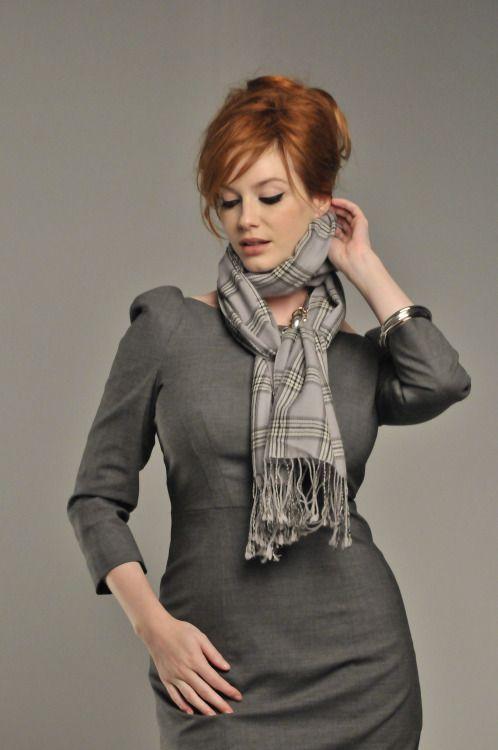 Christina Hendricks, scarf