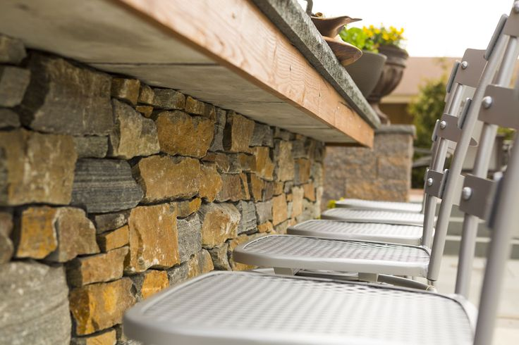 With a range of building bricks, veneers, stucco, and specialty masonry tools, we are the trusted supplier for your next project, whether it is a fireplace, garden wall, chimney, or outdoor kitchen.