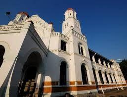 Potensi wisata kota Semarang terbilang cukup banyak mulai dari wisata pantai, pegunungan, air terjun, hingga wisata religi ada disini. 7 Tempat Wisata Semarang Paling Populer dan banyak dikunjungi wisatawan domestik maupun mancanegara.
