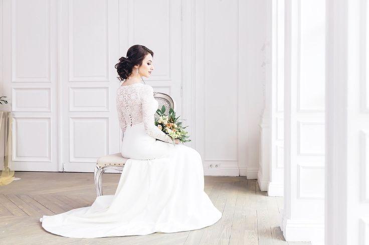 Сборы невесты. Кружево. Кружевное свадебное платье.  Фото: Николай Абрамов