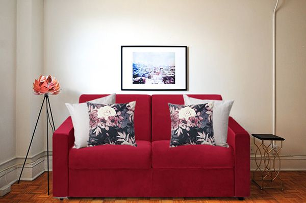 10 Combinaciones De Cojines Para Un Sofa Rojo Mil Ideas De Decoracion Sofa Rojo Sofa Azul Sofa