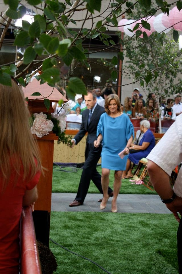 The Today Show hosts a SYNLawn green Rockefeller Plaza Wedding! Matt & Meredith take a walk on the wild side!