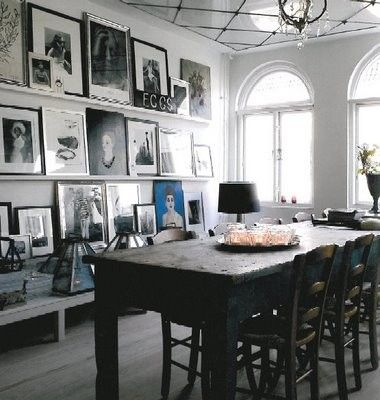 Great idea: Install shelf 'ledges' for an easy-to-change gallery wall!: Dining Rooms, Interior, Idea, Photo Wall, Living Room, Diningroom, Gallery Wall
