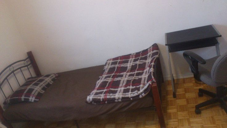 Shared Accommodation near Humber College Available Looking for Pakistani or Indian Students or professionals. No Smoking & Drinking Furnished all utilities included with high speed unlimited bell internet. Close to Albion Mall, Humber college, york uni and kipling station buses: 191-express, 46, 36 contact :... https://humbercollege.offcampuslistings.com/ads/shared-accommodation-near-humber-college/