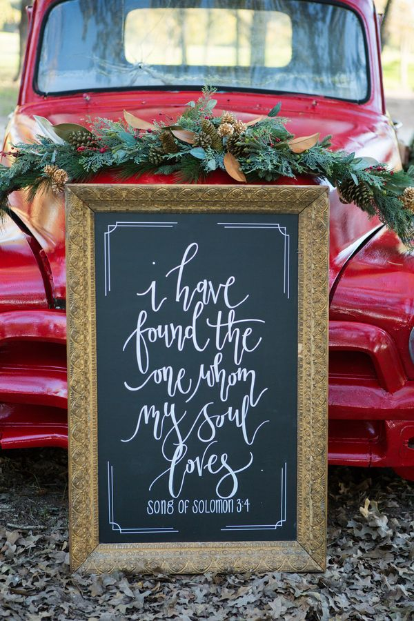 Rustic Red & Green Christmas Wedding Inspiration|Photographer: Shelly Taylor Photography
