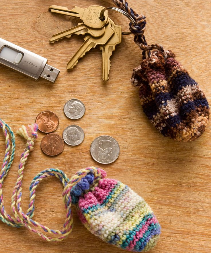Key Ring Pouch ... Nice little project for leftover yarn! Match to socks, scarf, mini gift bag...neat!