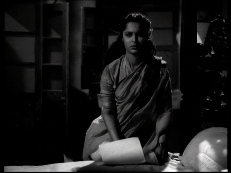 "myluckyerror: "" ""Pyaasa"" (1957) - Gulaab saves the Poems - my screenshots """