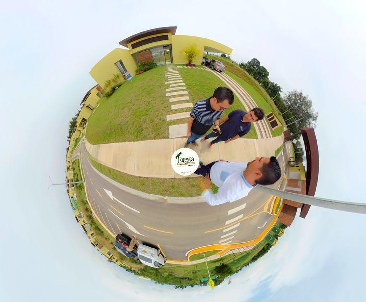 #Trabajando con el #Equipo en la toma de #Fotografías de Foresta Casas Campestres en #Pereira #Cerritos! https://exus.cf/2xA7zqL