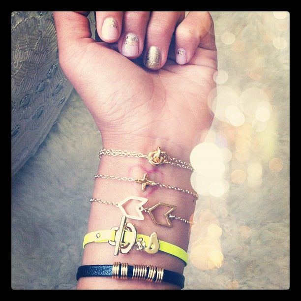 Song of Style: Candy Image Songofstyl, Arm Candy, Fashion, Gold Chains Bracelets, Braces, Heart Tattoo, Glitter Nails, Chevron, Arm Parties