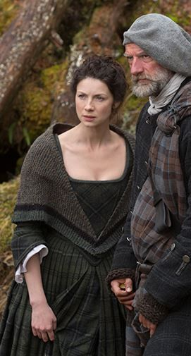 claire speaks with dougal, outlander