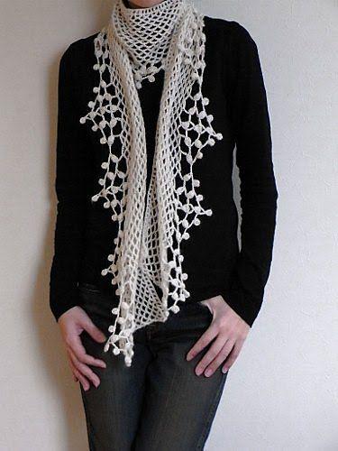 TIENE ESQUEMA EN EL SITIO. snow scarf: crochet pattern
